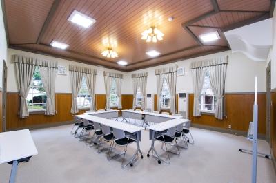 内観 中会議室
